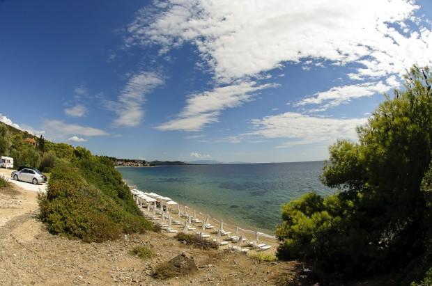 תצפיות על חופים קסומים לאורך הכביש שמקיף את האצבע סיטוניה