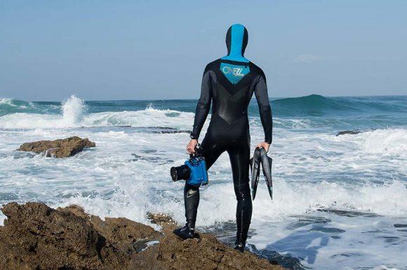 water housing for surfing - מארז לצילום גלישה מהמים
